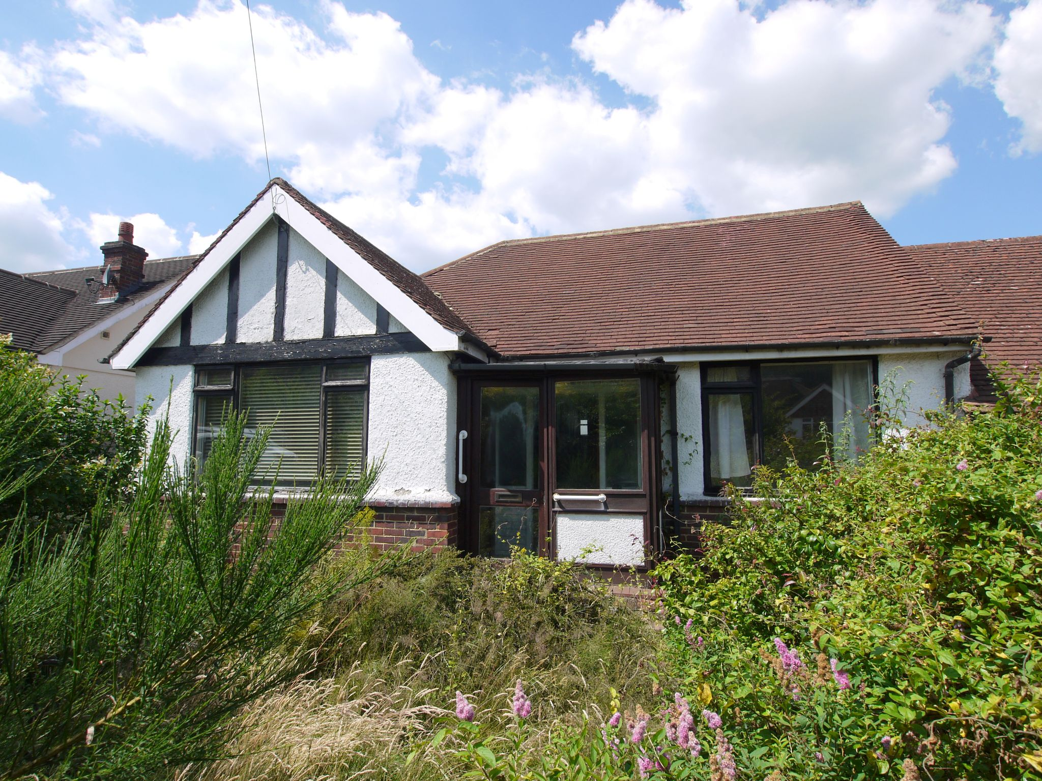 2 bedroom semi-detached bungalow For Sale in Sevenoaks - Property photograph