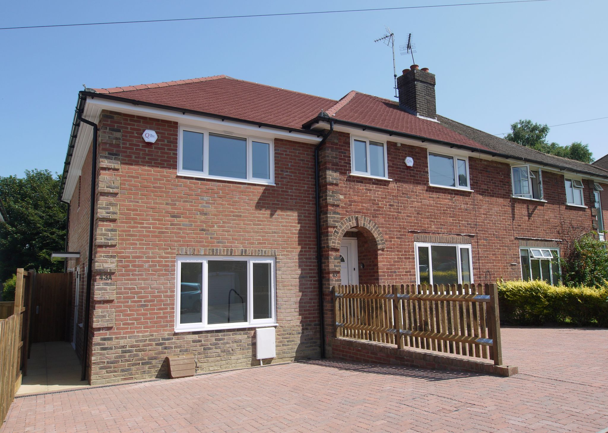 2 bedroom end terraced house Sold in Sevenoaks - Photograph 1
