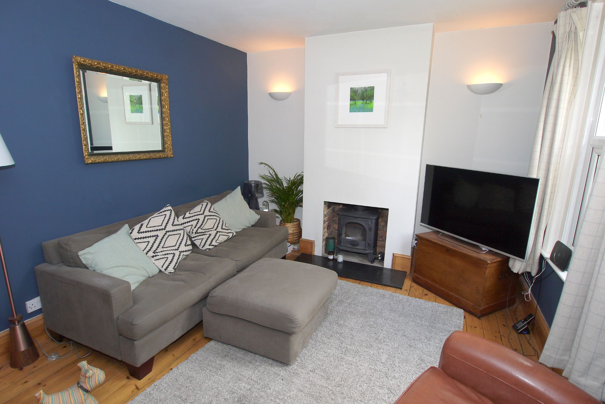 2 bedroom mid terraced house Sold in Seal - Photograph 4