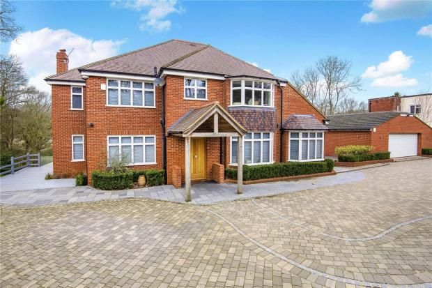 6 bedroom detached house For Sale in Sevenoaks - Photograph 2