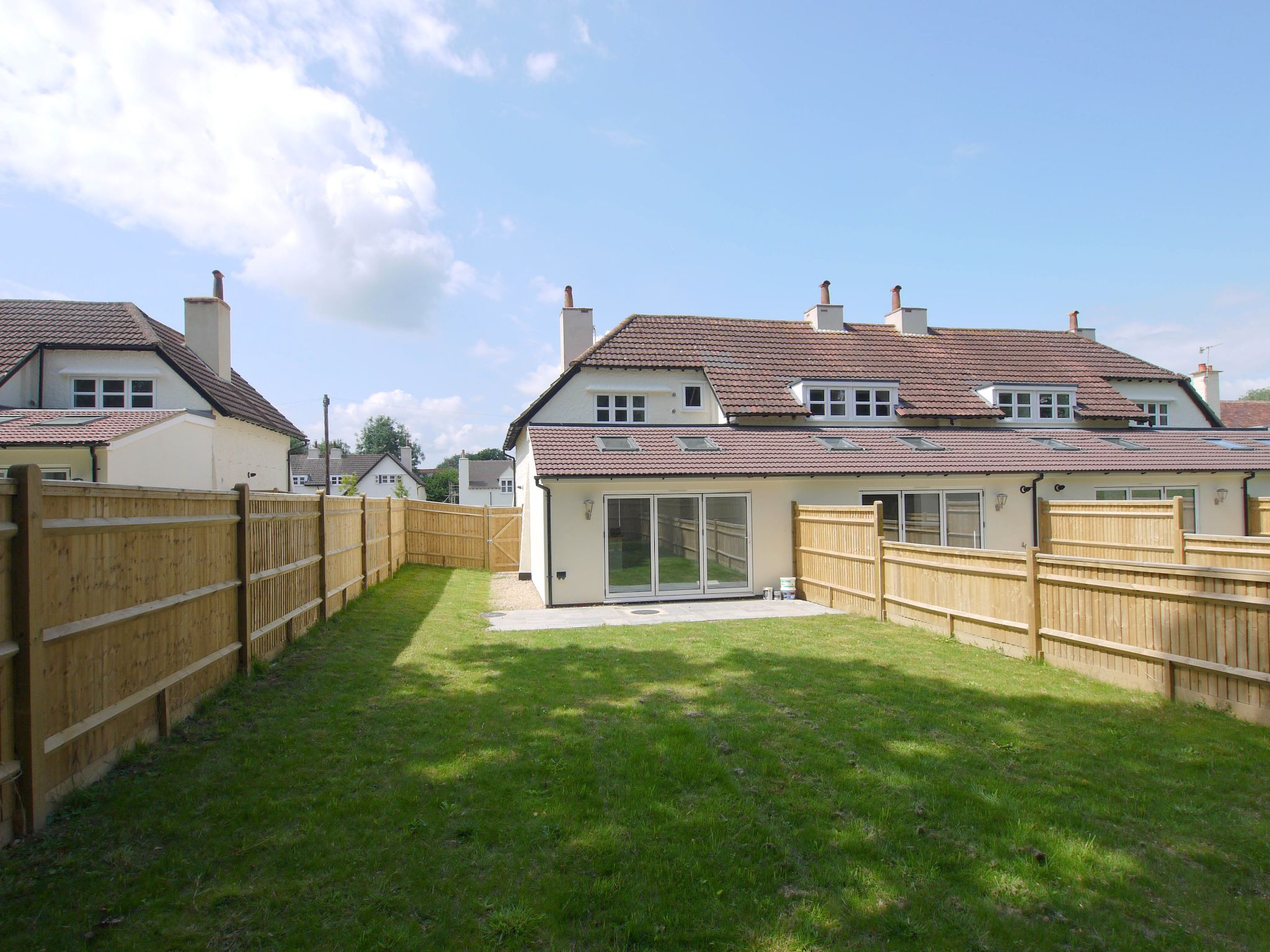 3 bedroom end terraced house Sold in Tonbridge - Photograph 9
