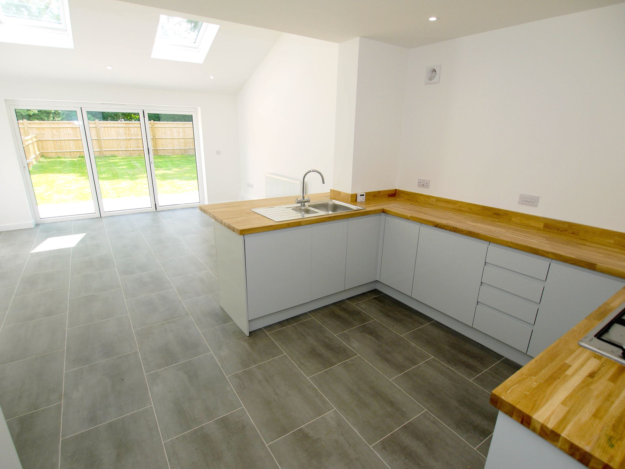 3 bedroom end terraced house For Sale in Tonbridge - Property photograph