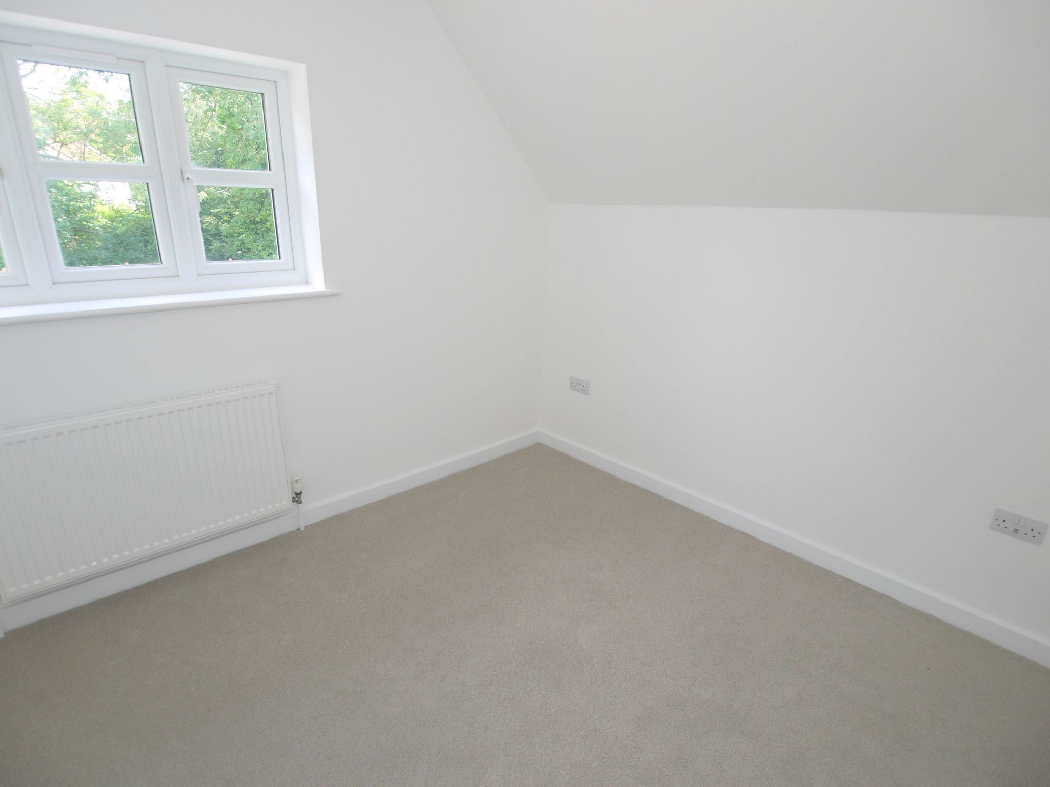 3 bedroom end terraced house Sold in Tonbridge - Photograph 6