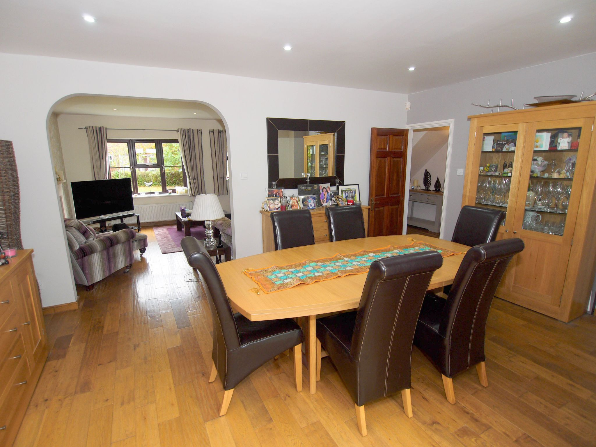 6 bedroom detached house Sale Agreed in Near Tonbridge - Photograph 4
