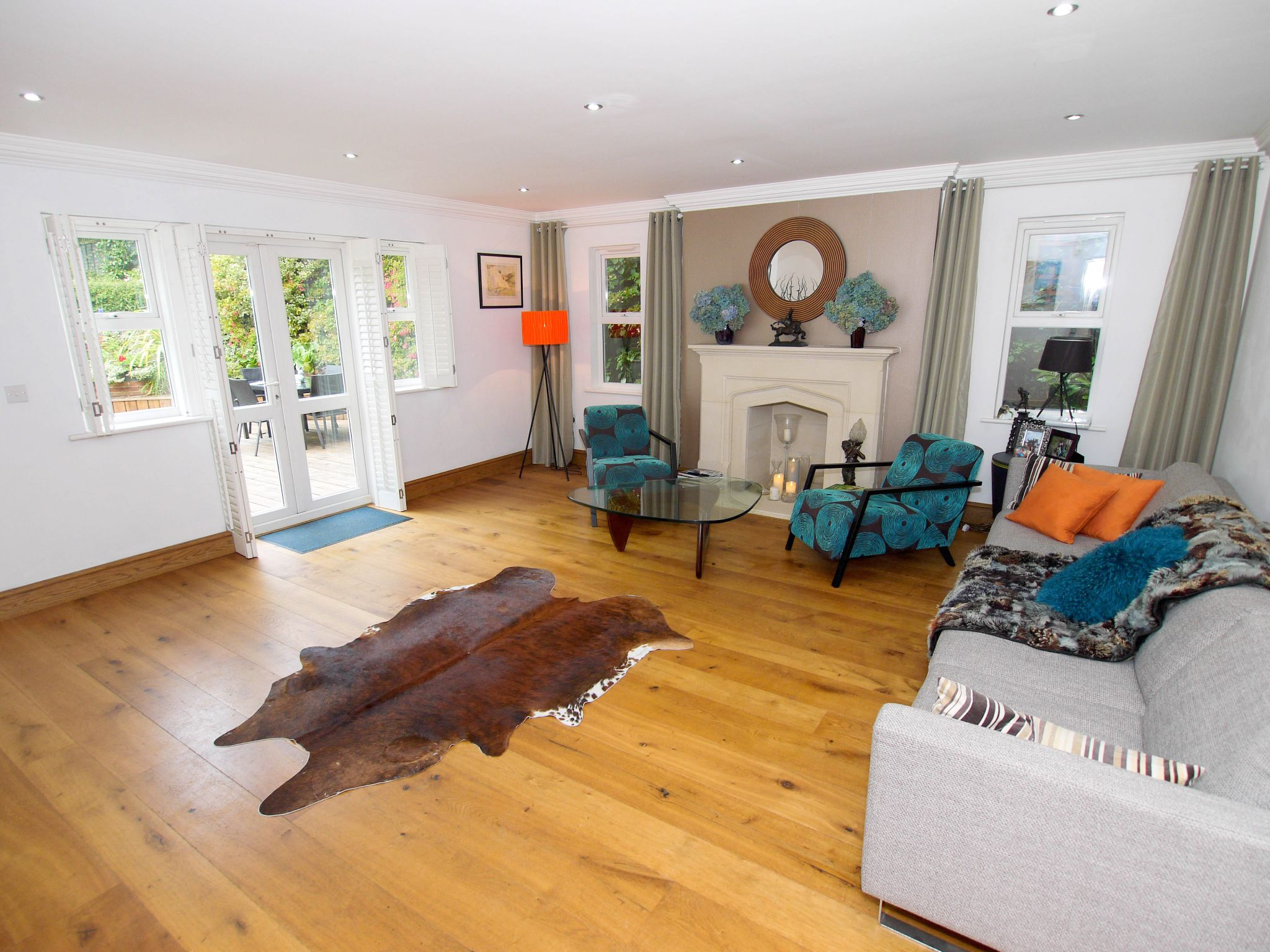 6 bedroom detached house For Sale in Sevenoaks - Photograph 3