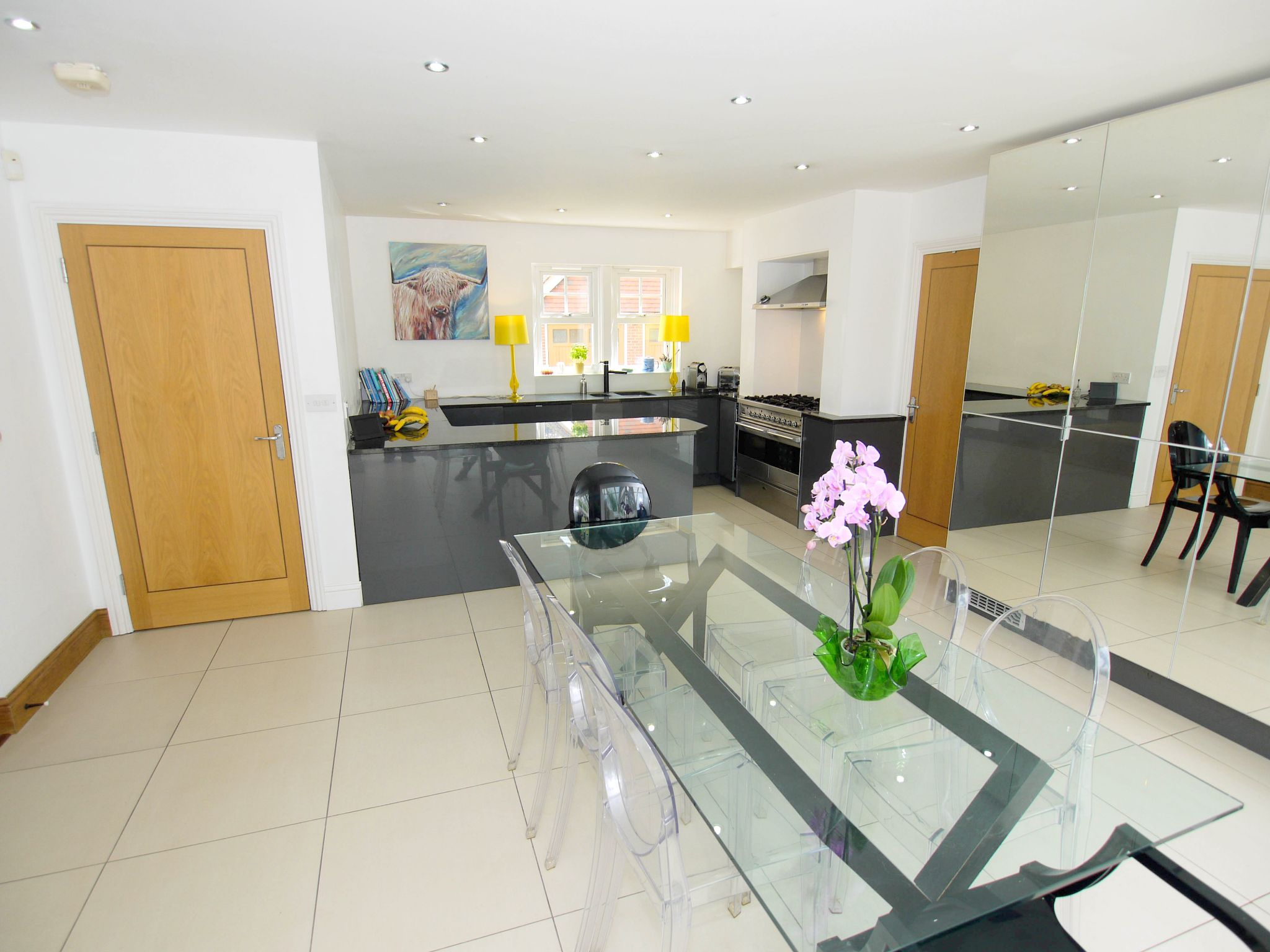 6 bedroom detached house Sale Agreed in Sevenoaks - Photograph 2