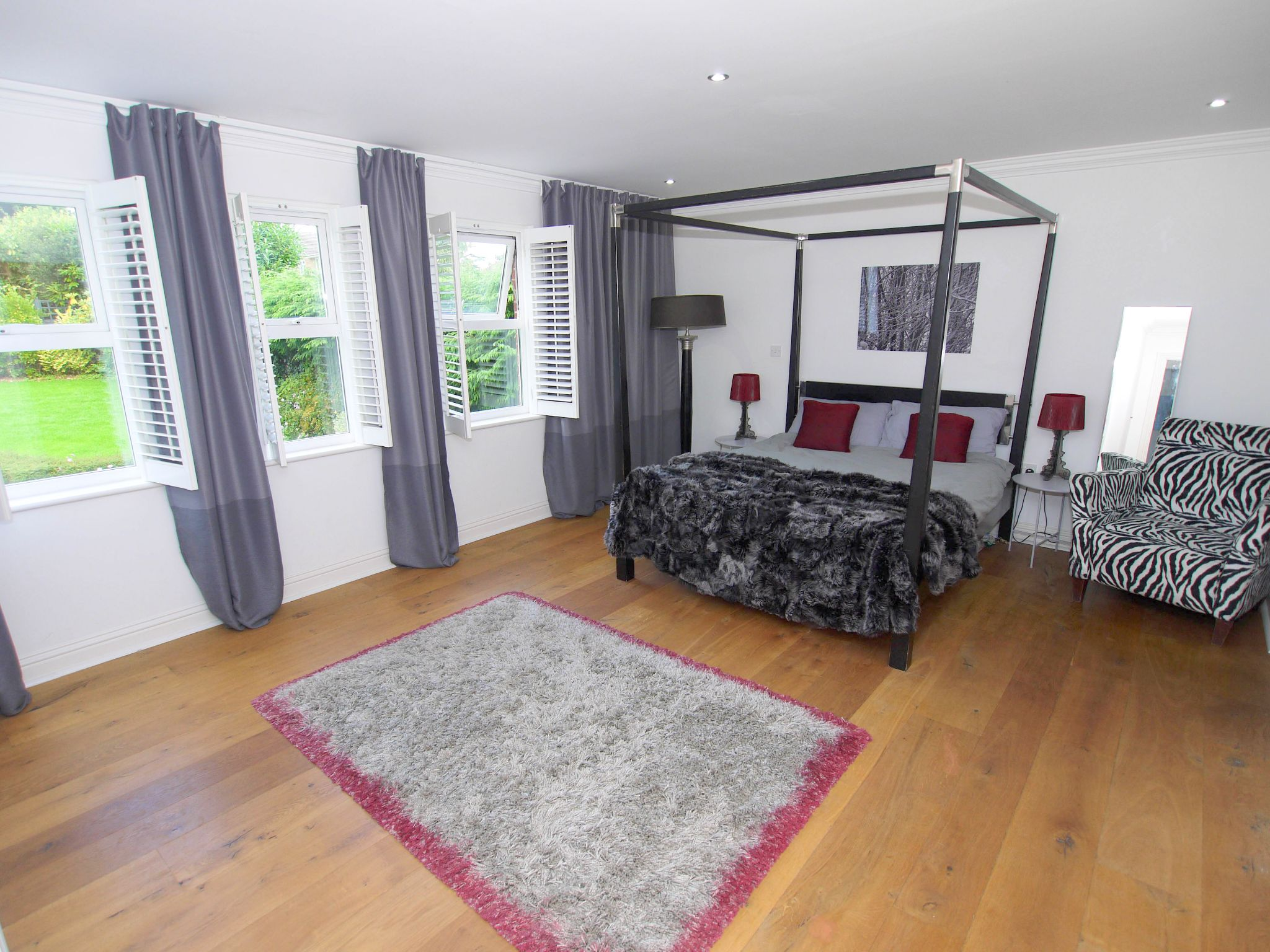 6 bedroom detached house For Sale in Sevenoaks - Photograph 9