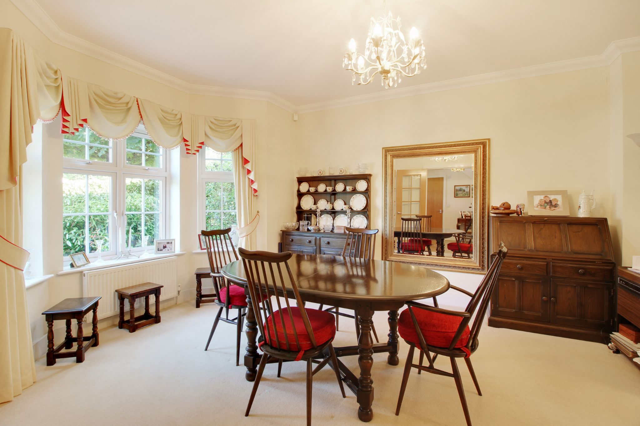 5 bedroom detached house Sold in Sevenoaks - Photograph 4