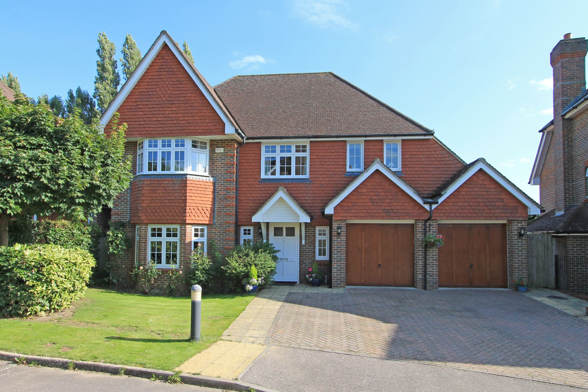 5 bedroom detached house For Sale in Sevenoaks - Photograph 1