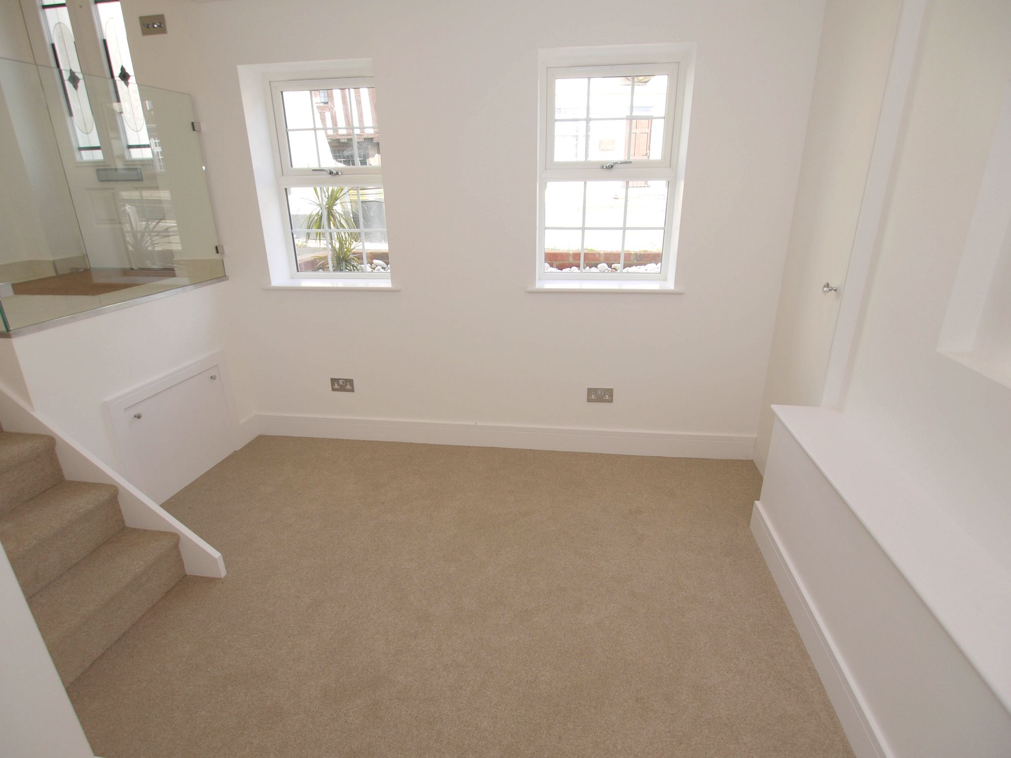 1 bedroom mid terraced house For Sale in Sevenoaks - Photograph 4