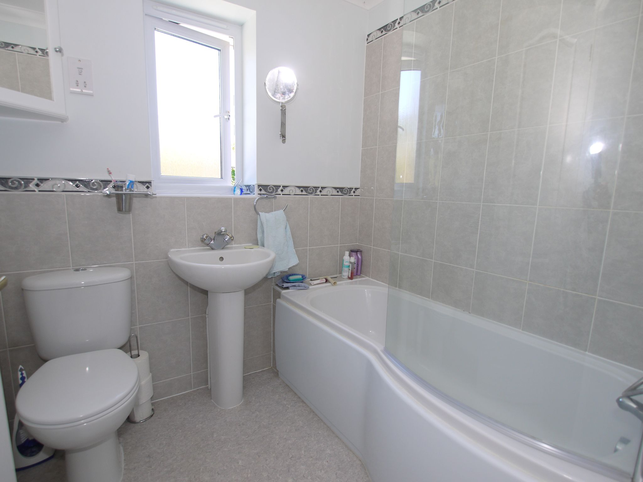 4 bedroom detached house For Sale in Sevenoaks - Photograph 8