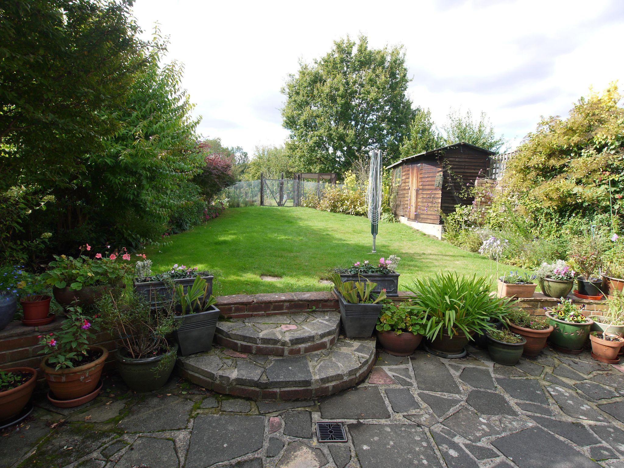 3 bedroom semi-detached house For Sale in Sevenoaks - Photograph 11