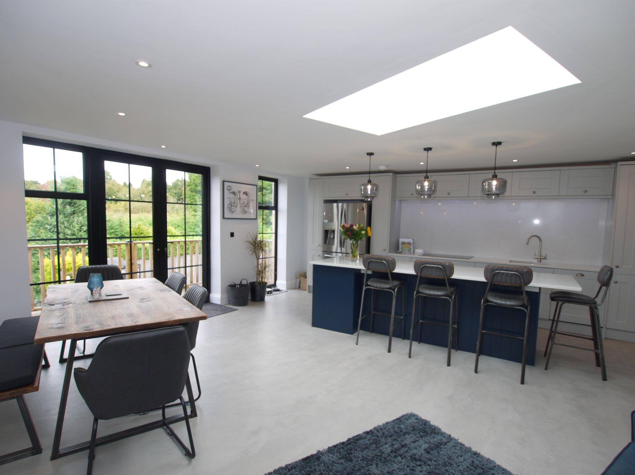 3 bedroom semi-detached house For Sale in Sevenoaks - Photograph 3