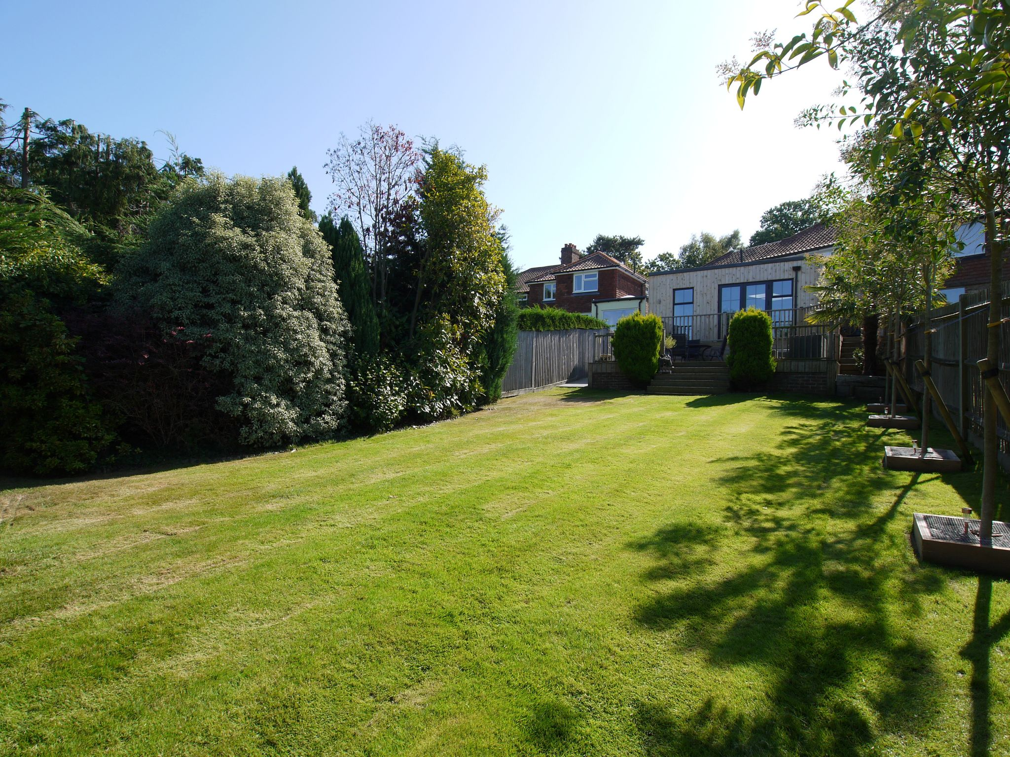 3 bedroom semi-detached house Sold in Sevenoaks - Photograph 10
