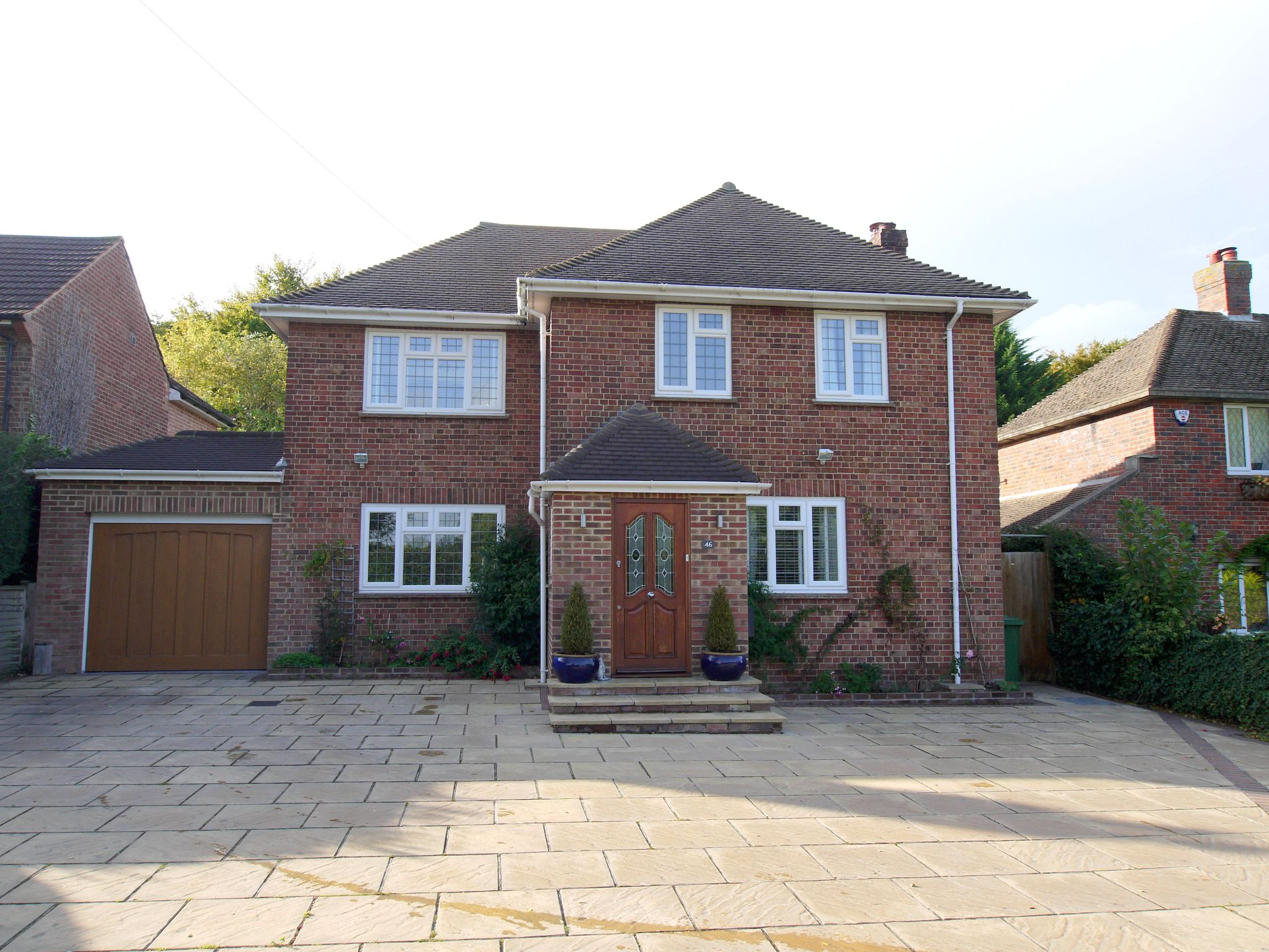 3 bedroom detached house Sold in Sevenoaks - Photograph 1