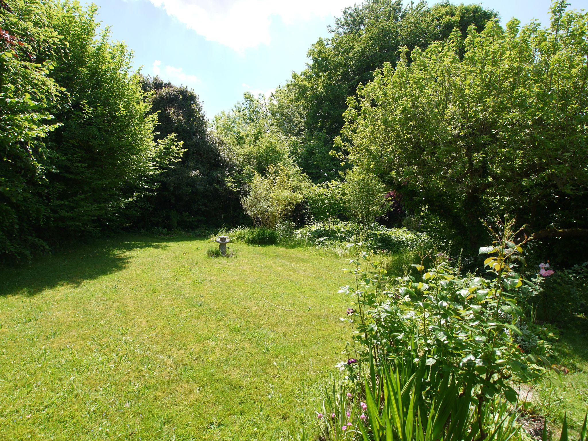 2 bedroom detached bungalow Sold in Sevenoaks - Photograph 10