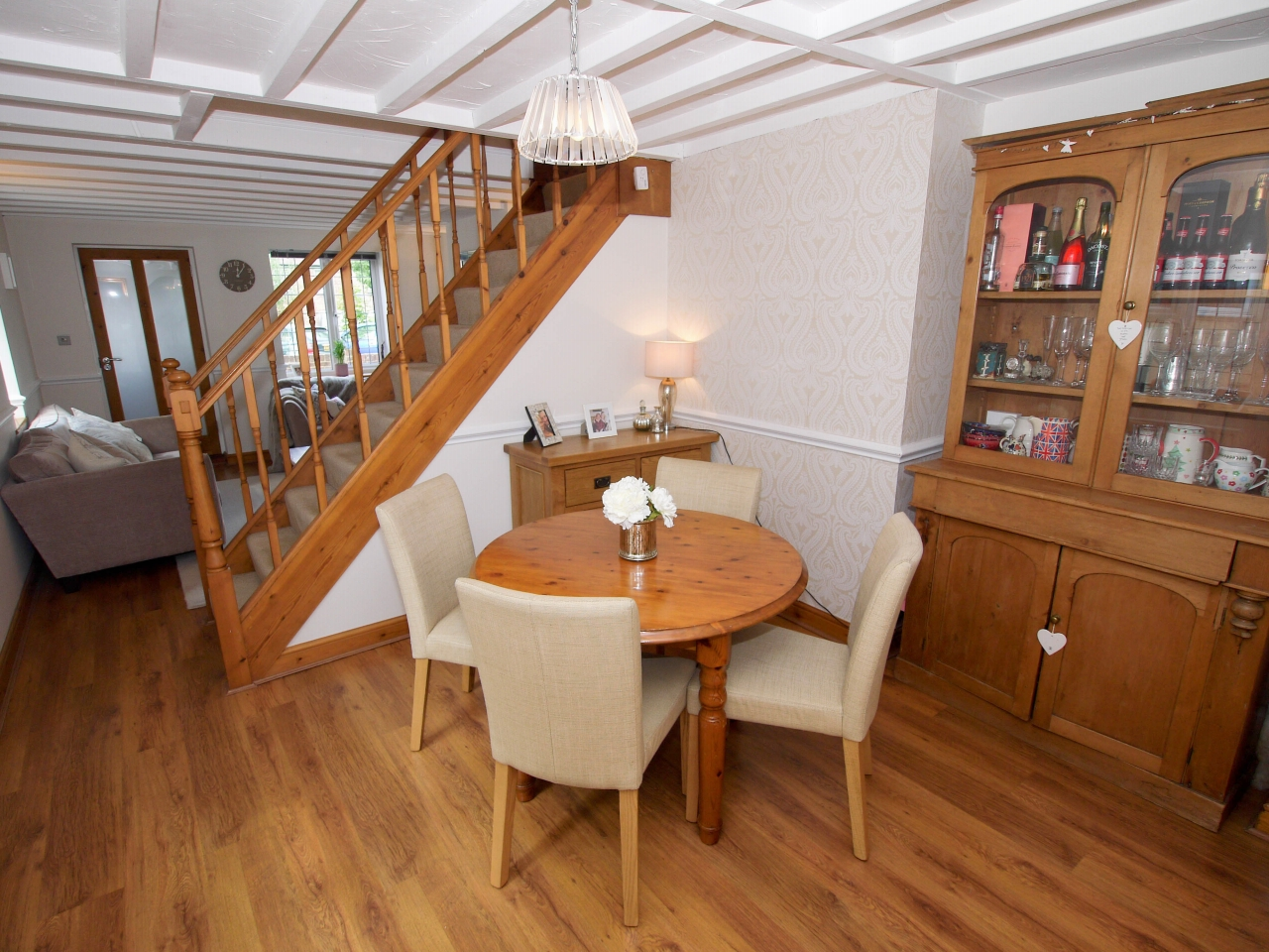 2 bedroom end terraced house To Let in Sevenoaks - Photograph 4