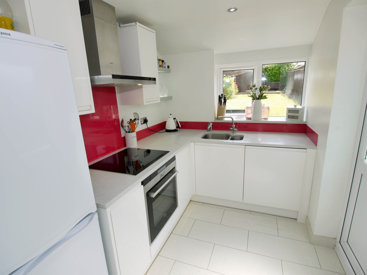 2 bedroom end terraced house To Let in Sevenoaks - Photograph 6