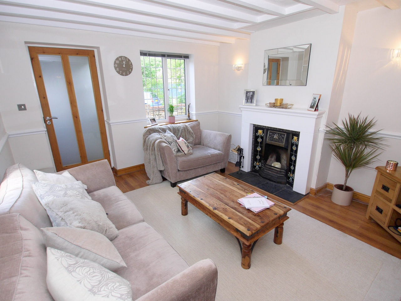 2 bedroom end terraced house To Let in Sevenoaks - Photograph 3