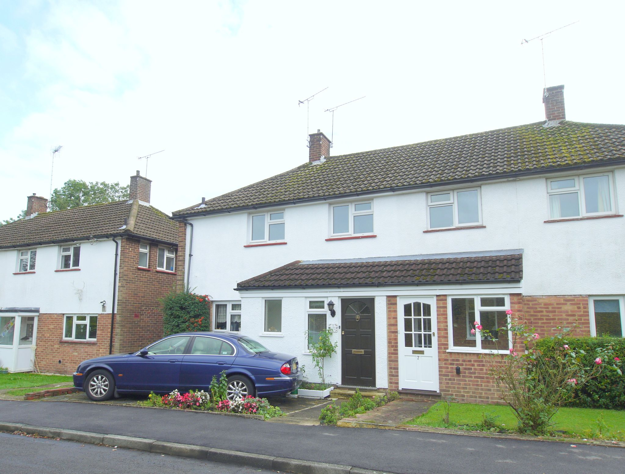3 bedroom semi-detached house Sold in Sevenoaks - Photograph 1