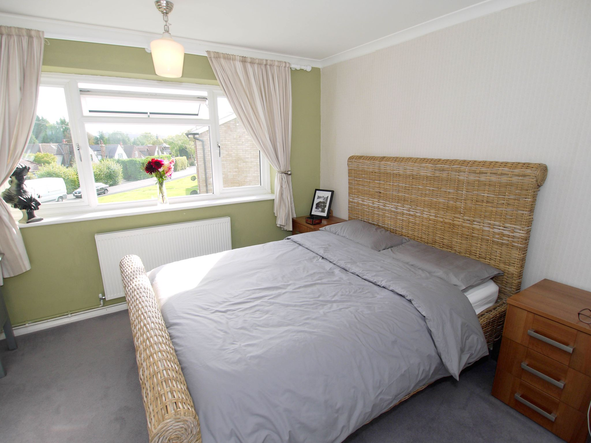 2 bedroom apartment flat/apartment For Sale in Sevenoaks - Photograph 3