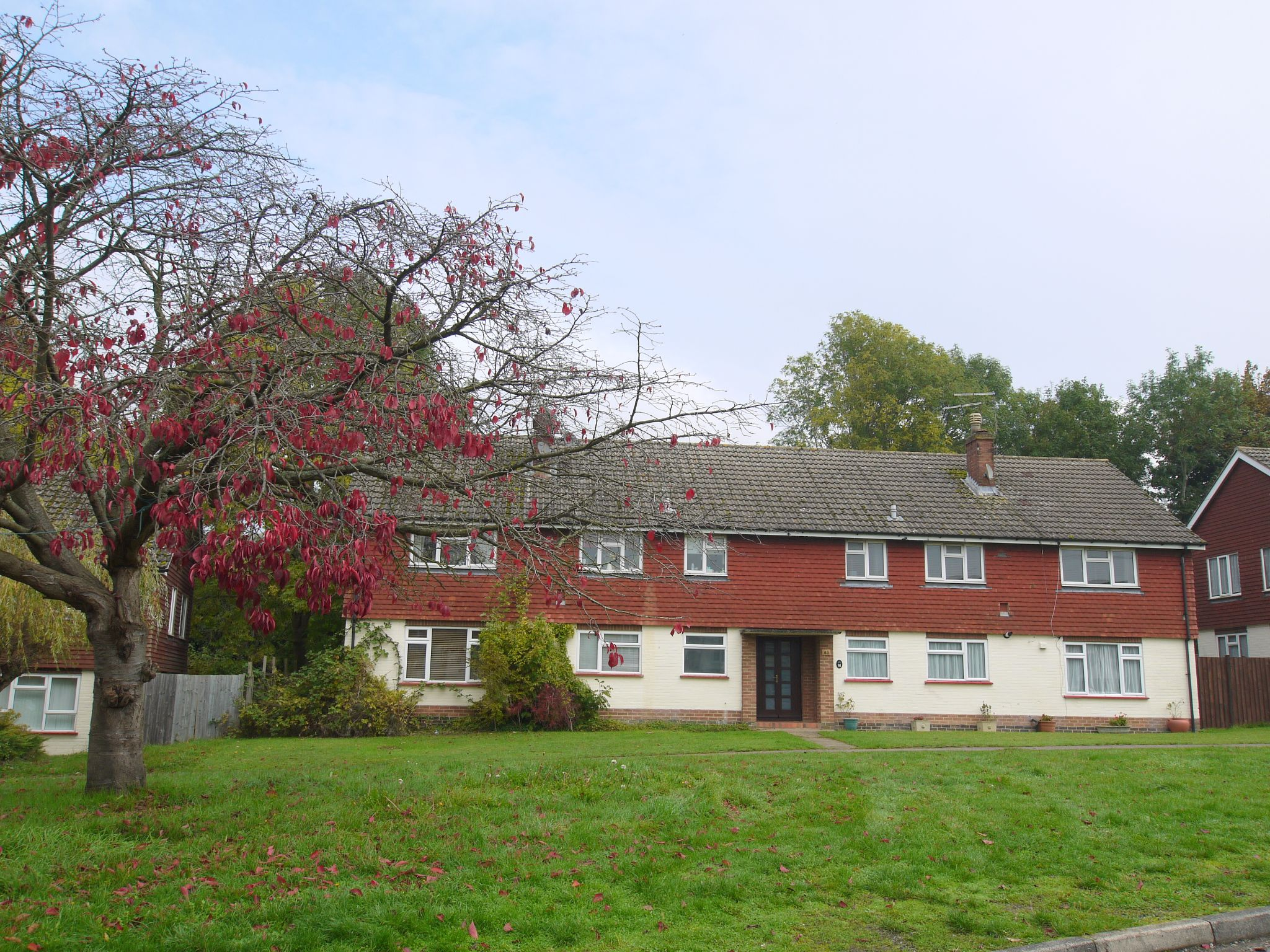 2 bedroom ground floor flat/apartment For Sale in Sevenoaks - Photograph 1