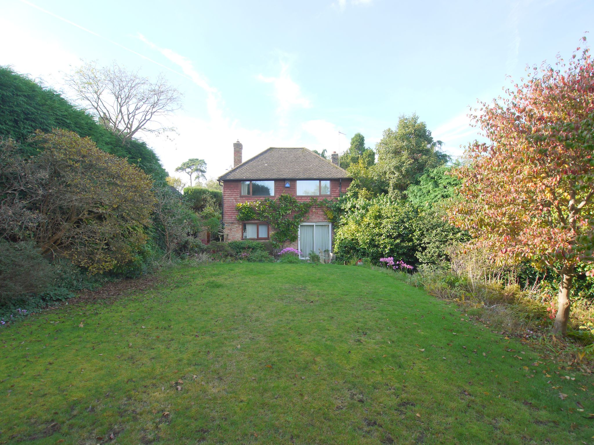 3 bedroom detached house Sold in Sevenoaks - Photograph 10