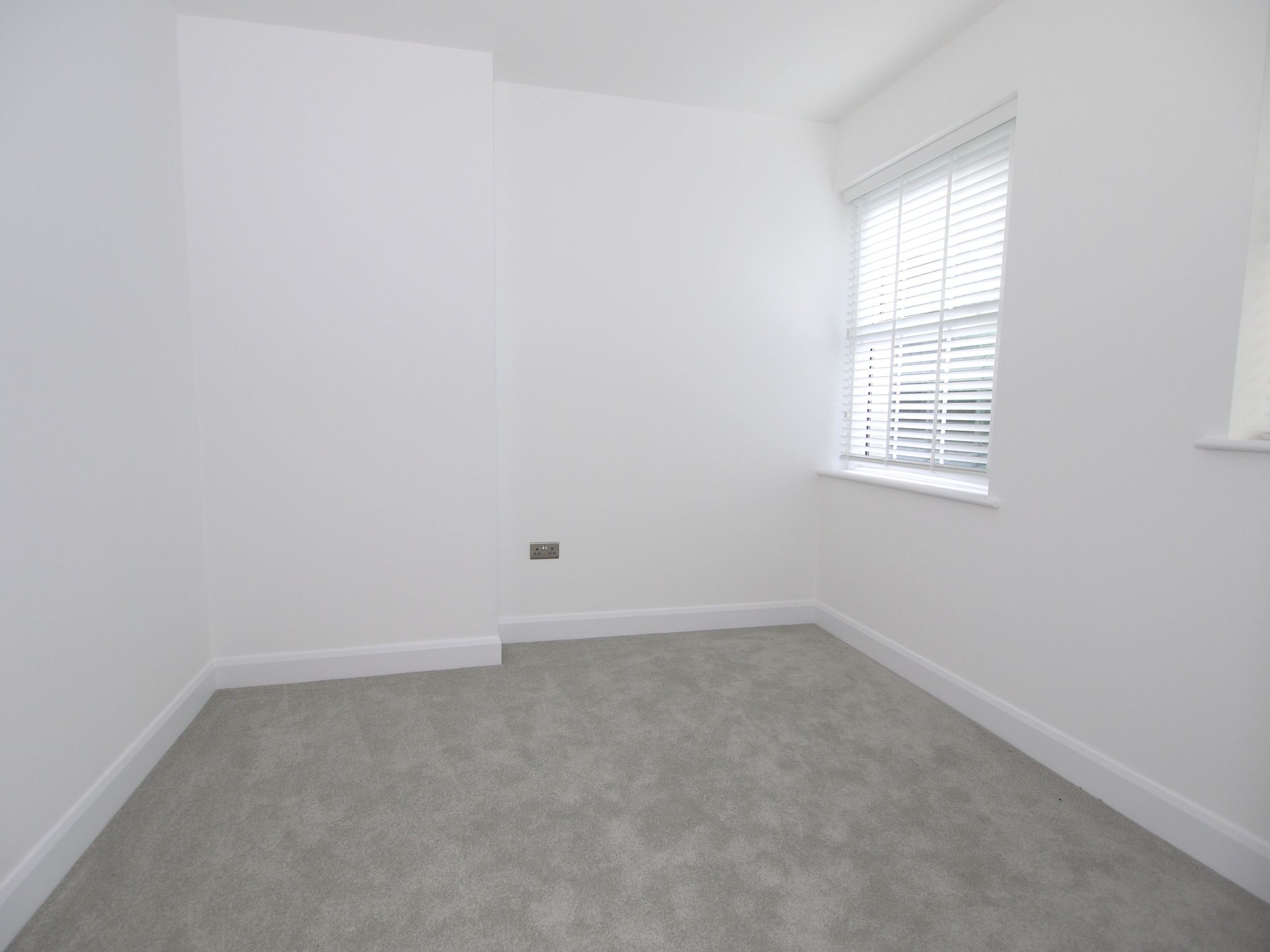 1 bedroom apartment flat/apartment To Let in Sevenoaks - Photograph 6
