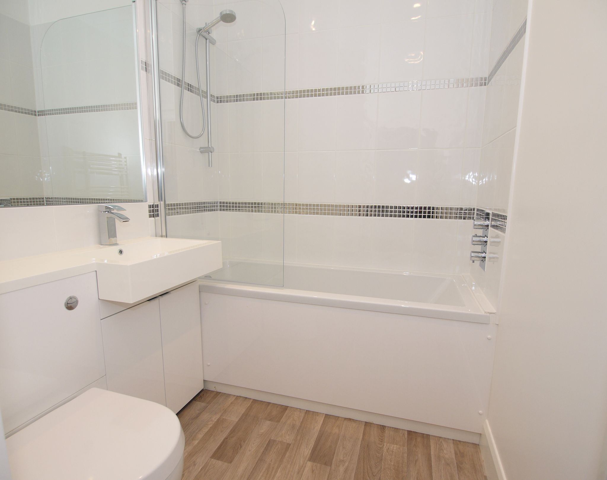 1 bedroom apartment flat/apartment To Let in Sevenoaks - Photograph 7