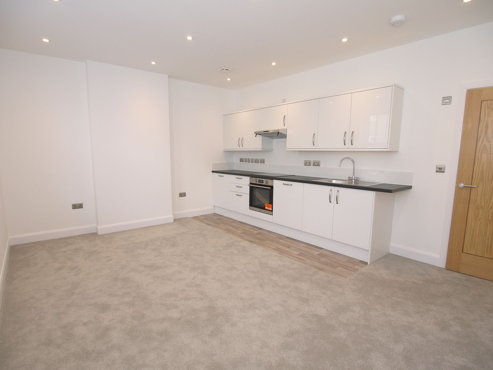 1 bedroom apartment flat/apartment To Let in Sevenoaks - Photograph 4