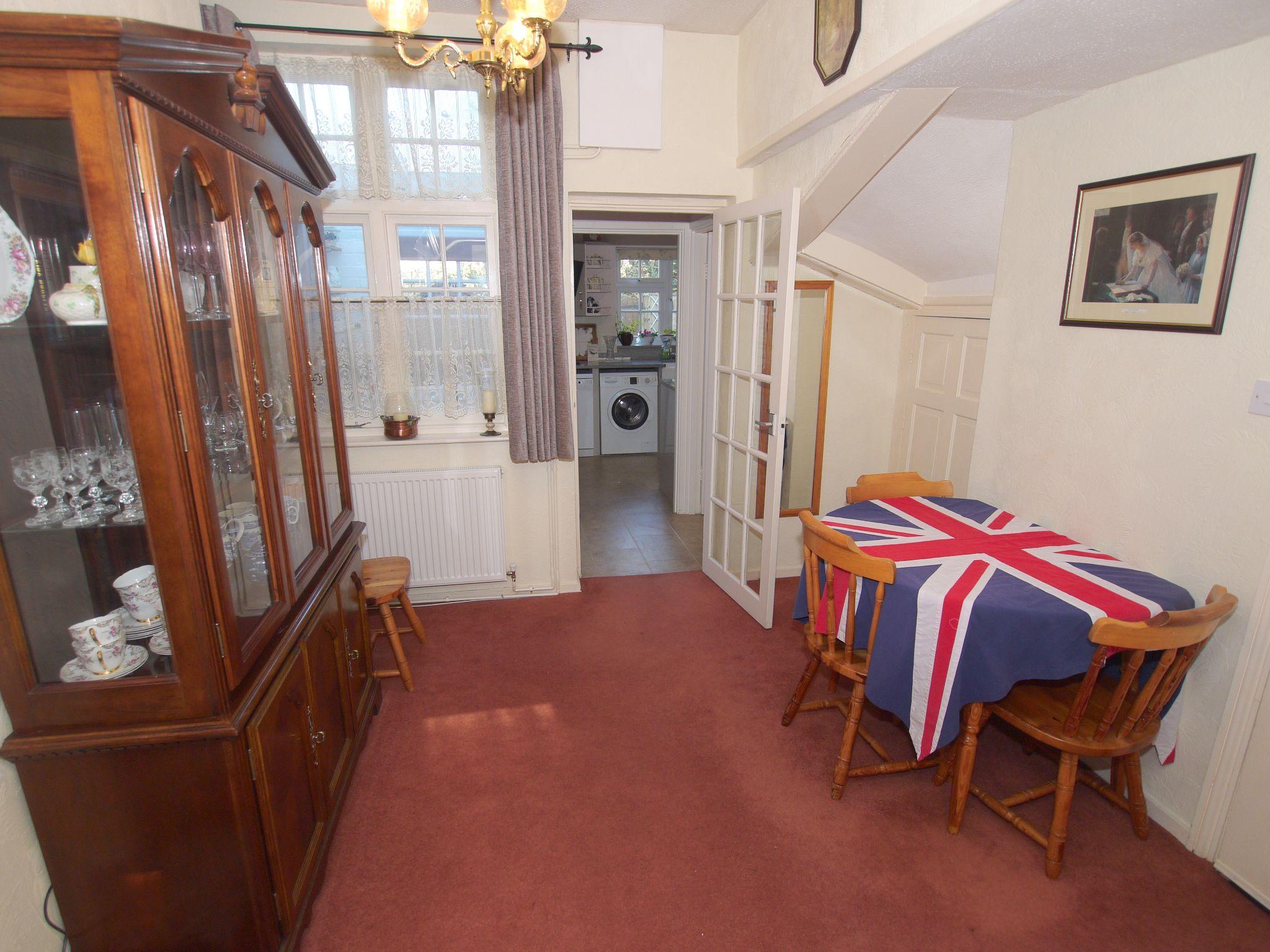 3 bedroom mid terraced house Sold in Sevenoaks - Photograph 5