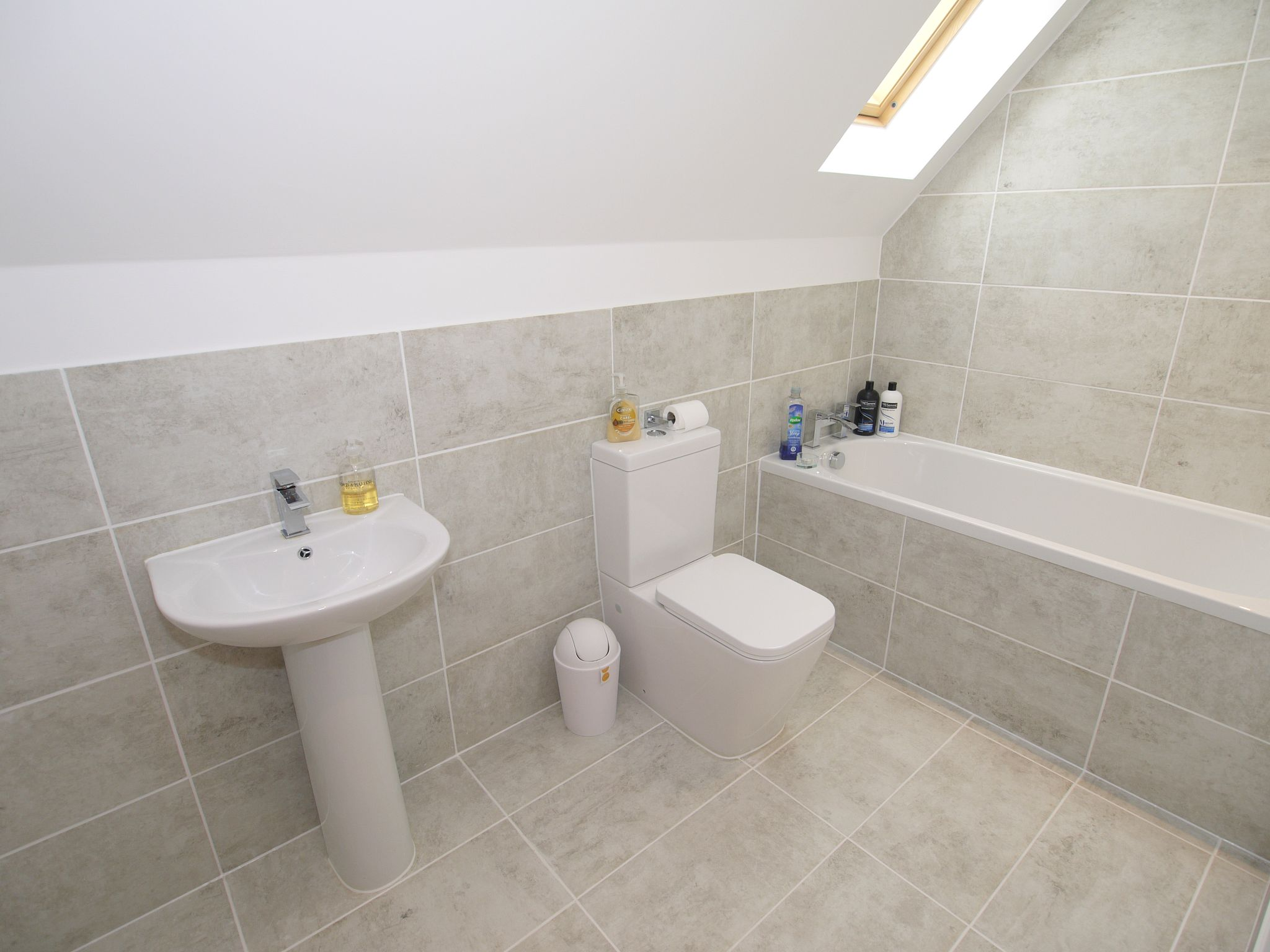 5 bedroom detached house Sold in Sevenoaks - Photograph 14