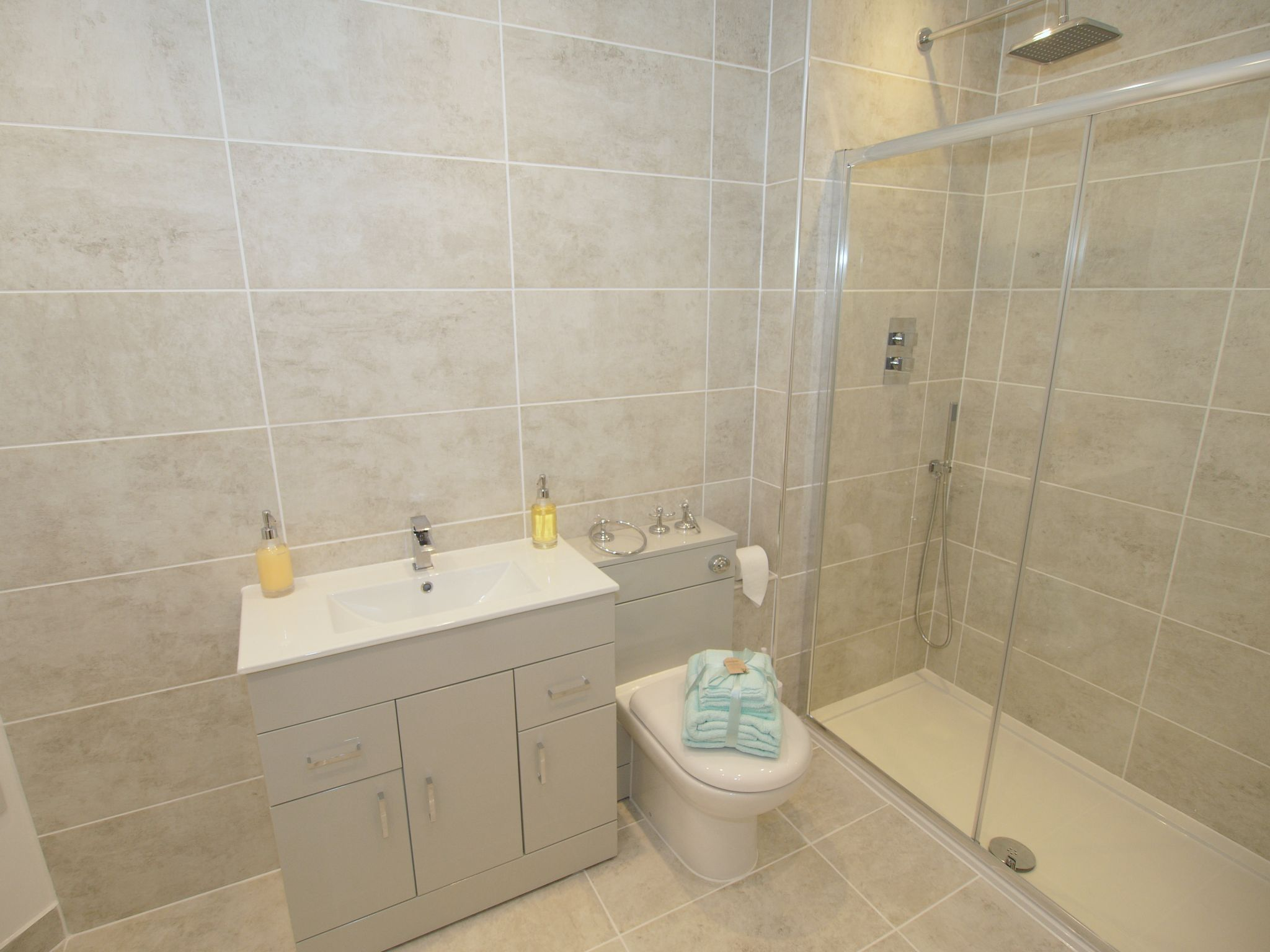 5 bedroom detached house Sold in Sevenoaks - Photograph 9