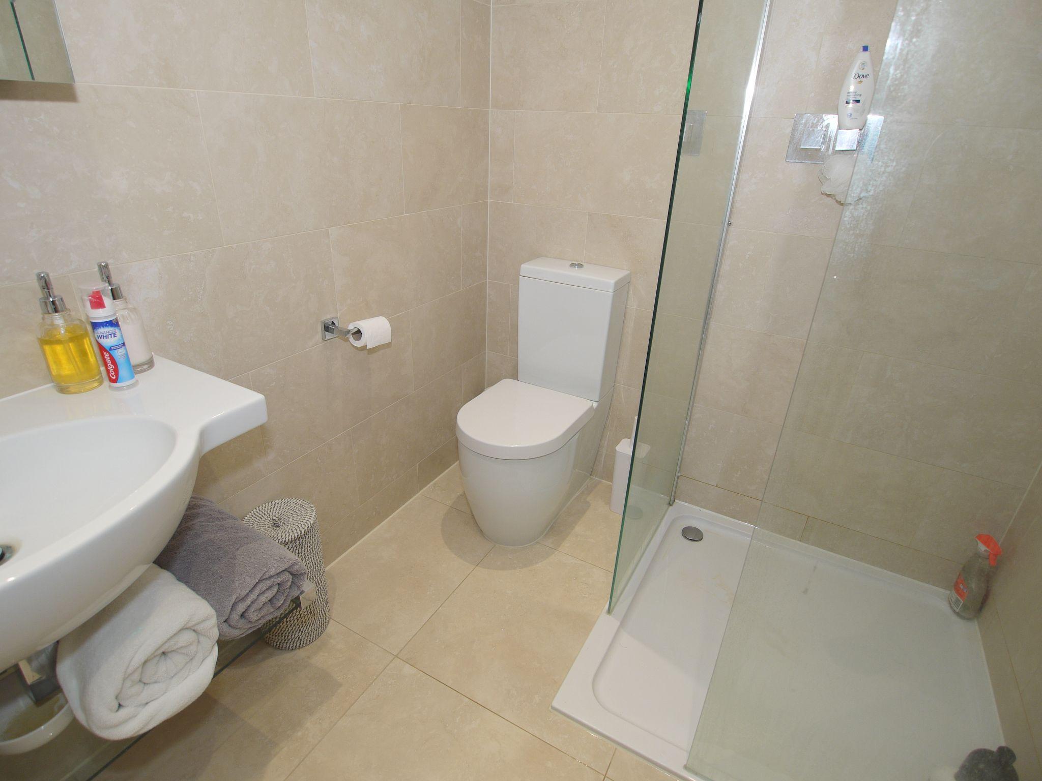 5 bedroom detached house Sold in Sevenoaks - Photograph 13