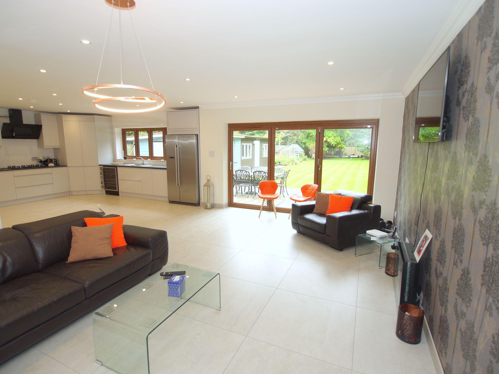 5 bedroom detached house Sold in Sevenoaks - Photograph 3