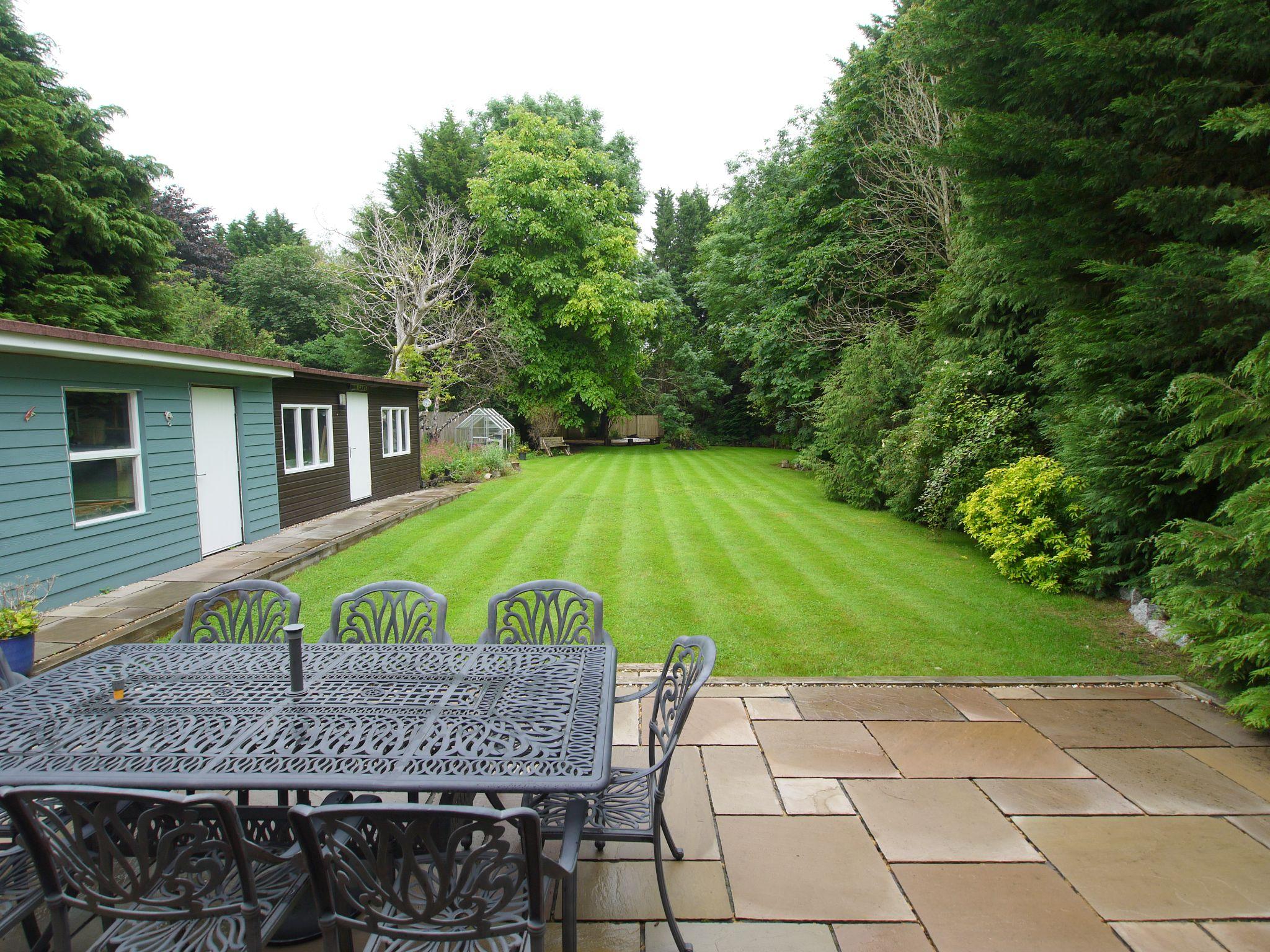 5 bedroom detached house Sold in Sevenoaks - Photograph 2
