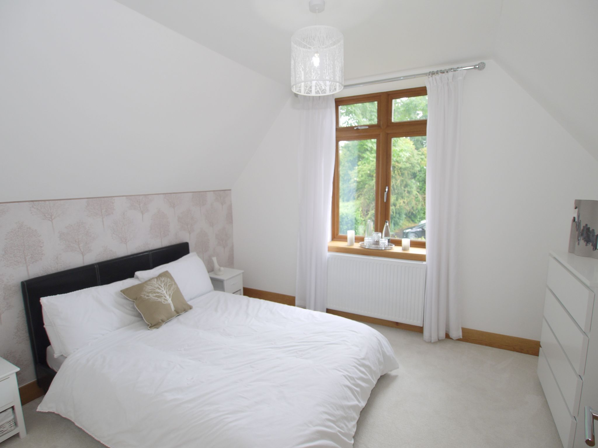 5 bedroom detached house Sold in Sevenoaks - Photograph 10