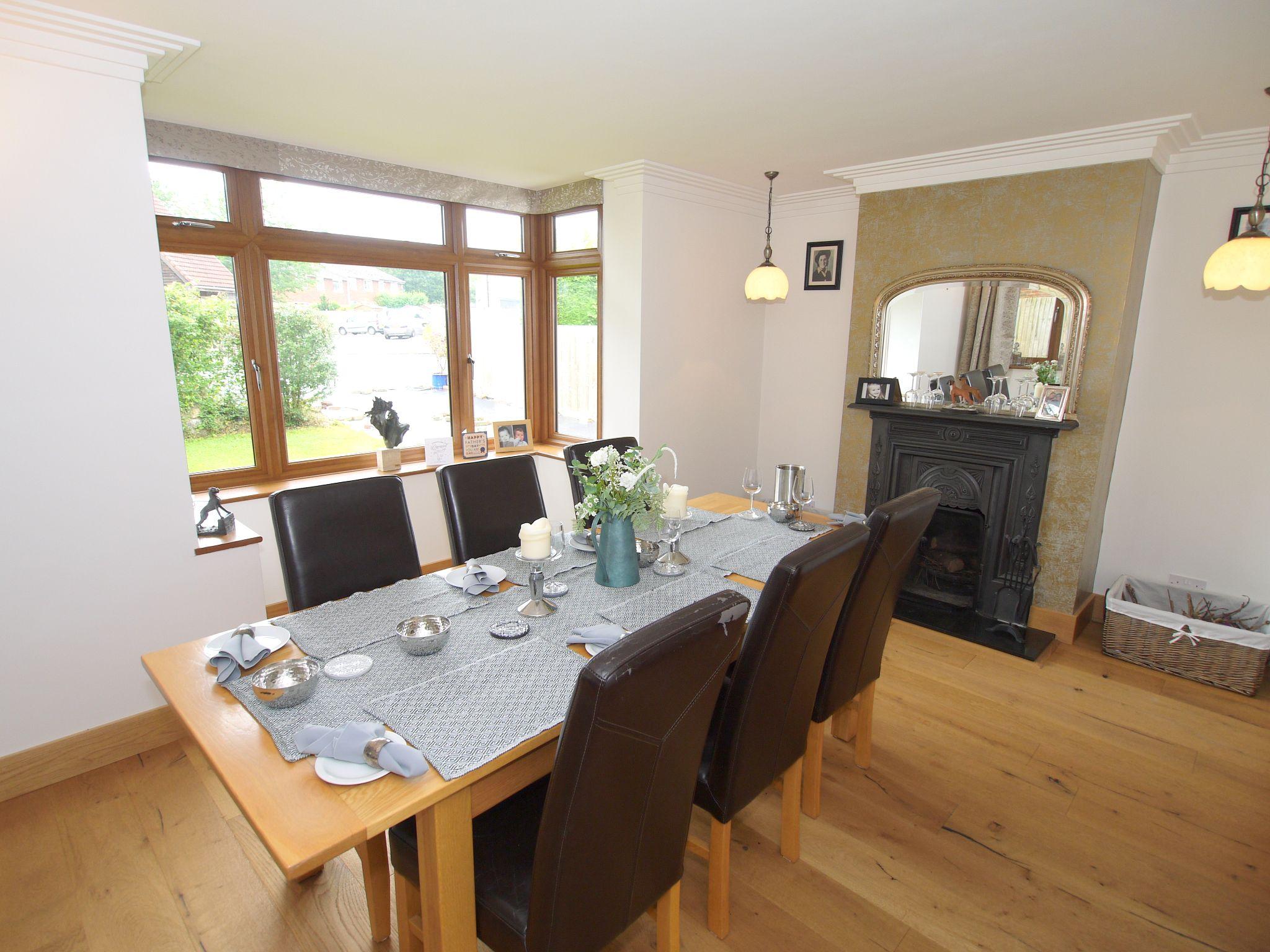 5 bedroom detached house Sold in Sevenoaks - Photograph 6