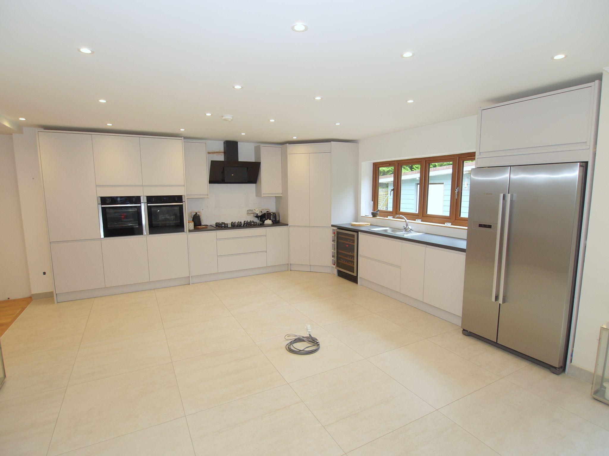 5 bedroom detached house Sold in Sevenoaks - Photograph 5
