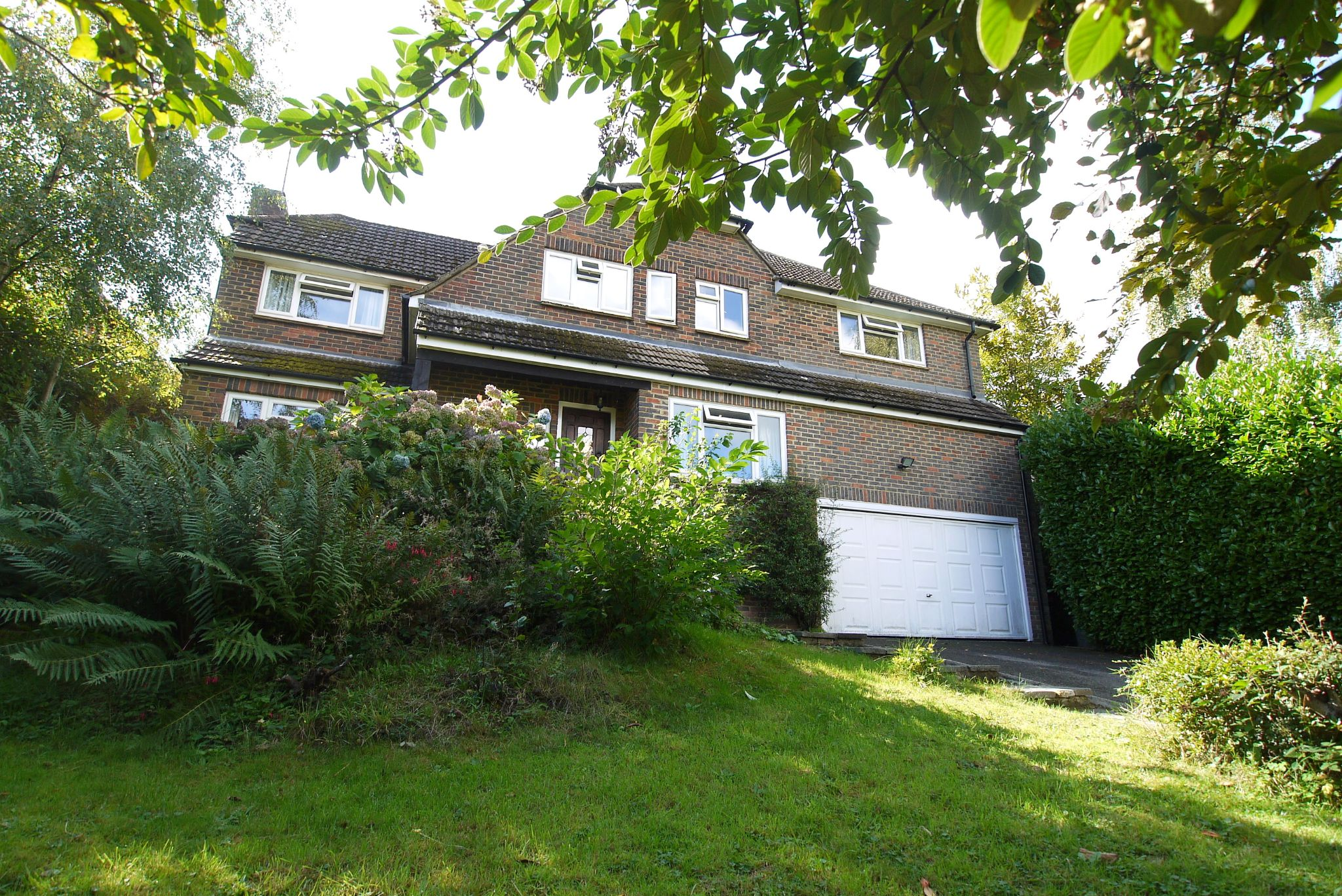 5 bedroom detached house Sold in Sevenoaks - Photograph 15