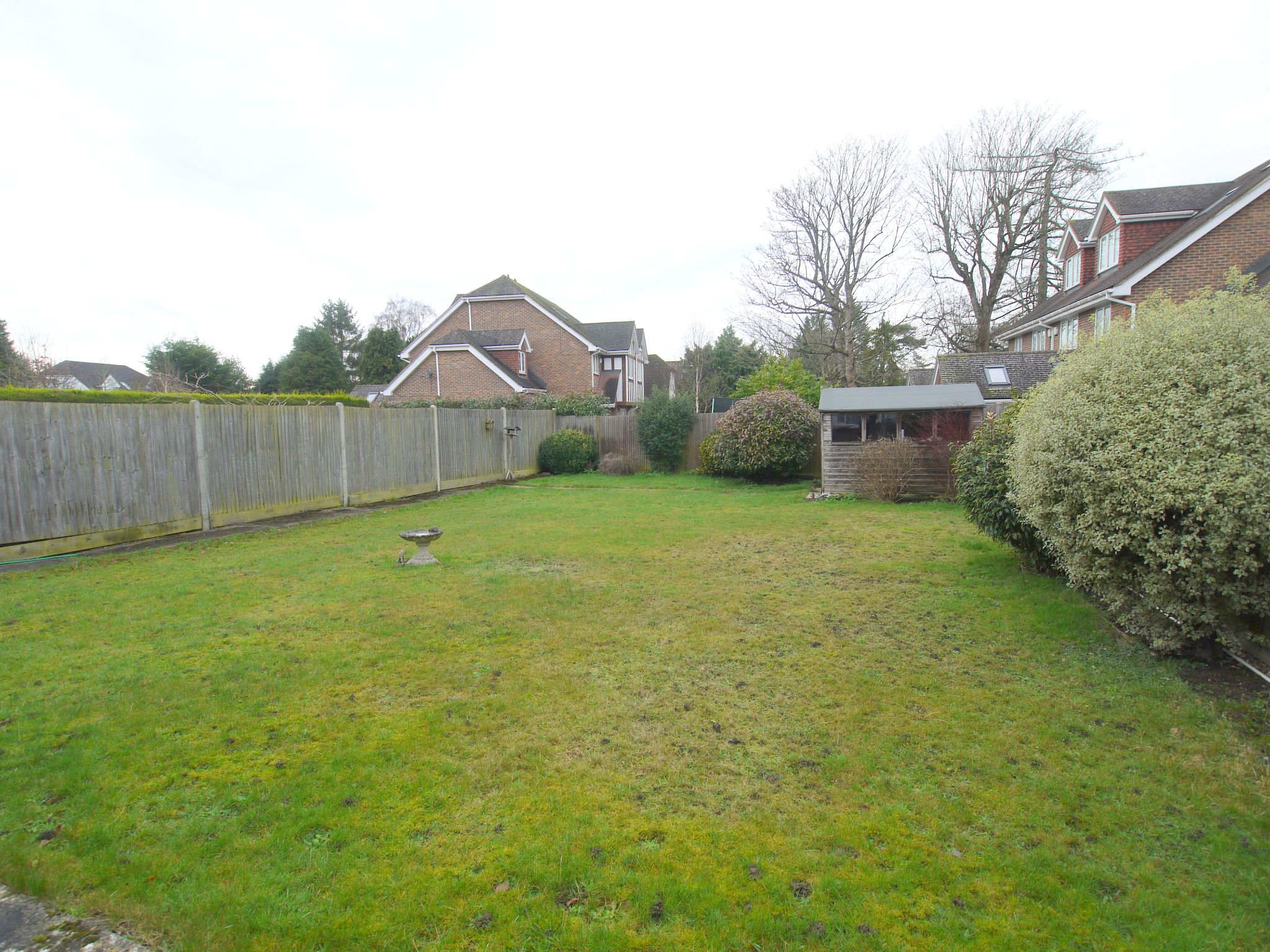 3 bedroom detached bungalow Sold in Sevenoaks - Photograph 8