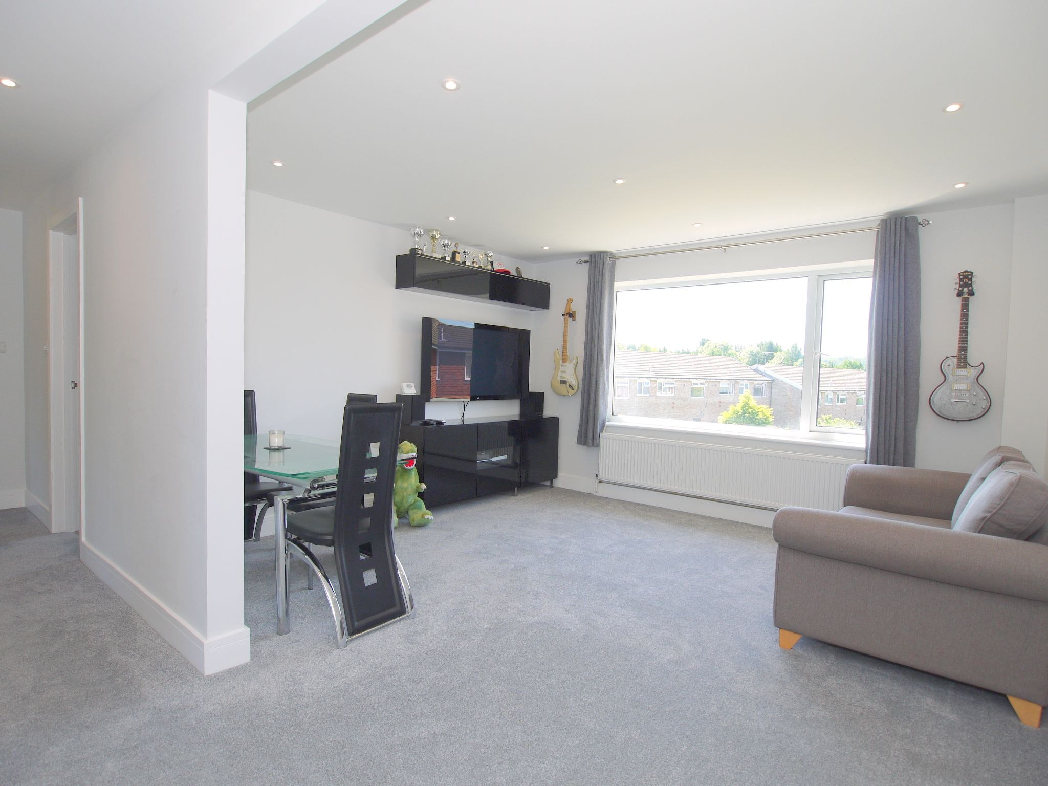 2 bedroom apartment flat/apartment Sale Agreed in Sevenoaks - Photograph 2
