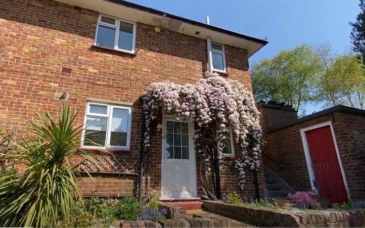 2 bedroom apartment flat/apartment For Sale in Sevenoaks - Photograph 1