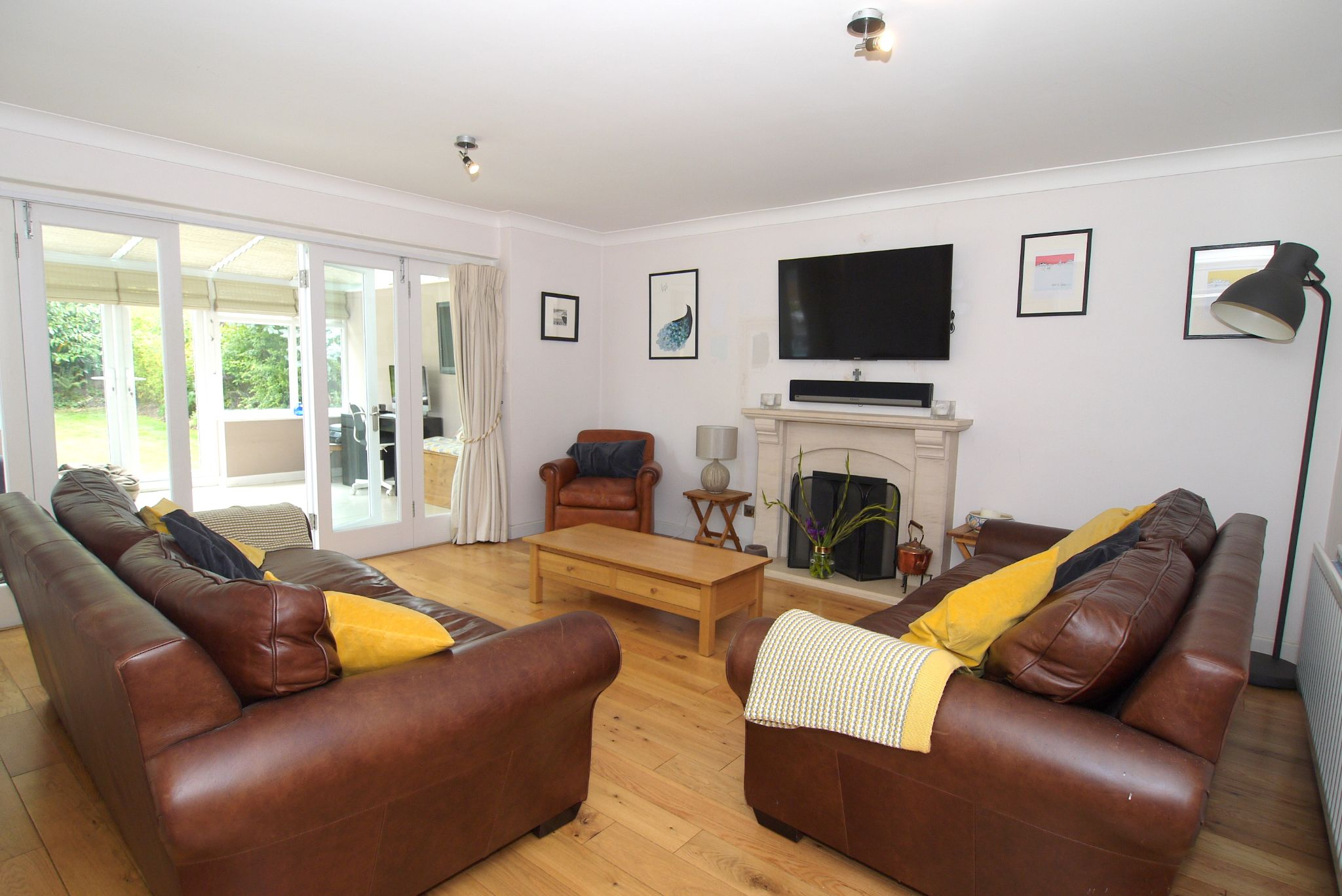 4 bedroom detached house Sold in Sevenoaks - Photograph 2