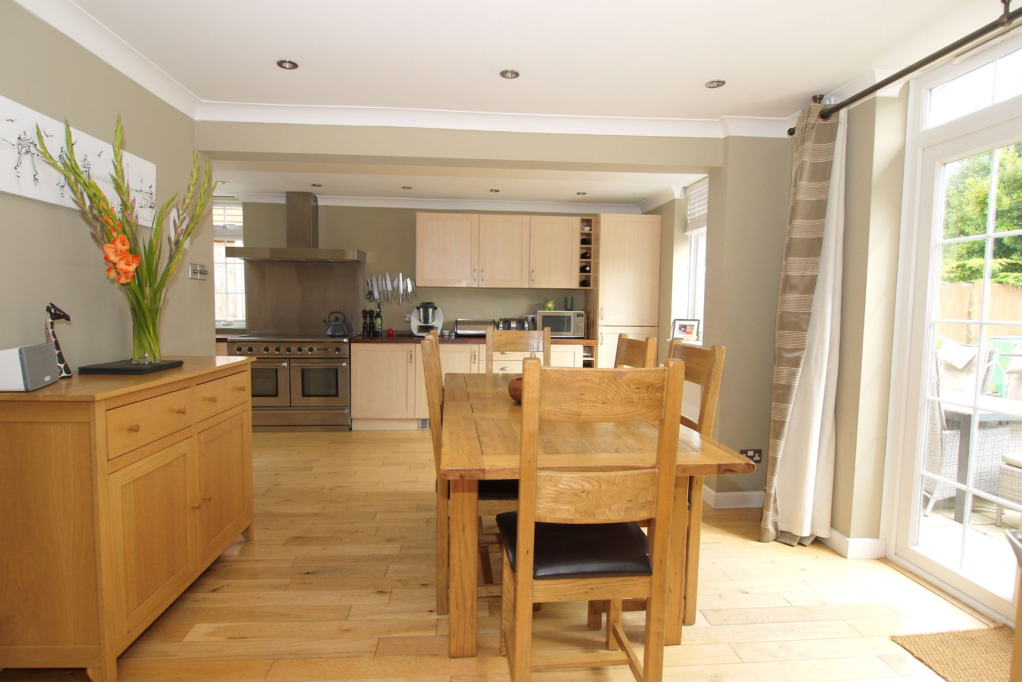 4 bedroom detached house Sold in Sevenoaks - Photograph 7