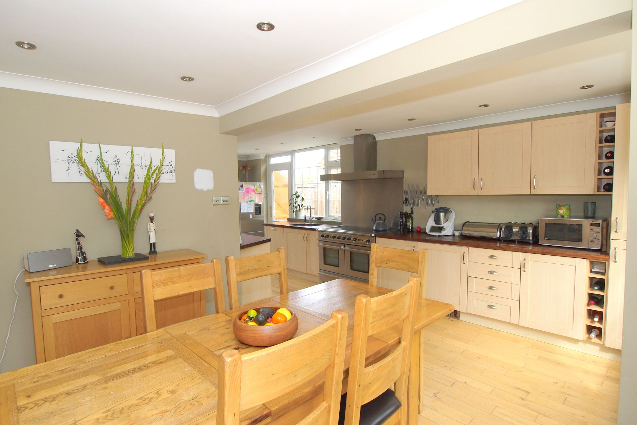 4 bedroom detached house Sale Agreed in Sevenoaks - Photograph 3
