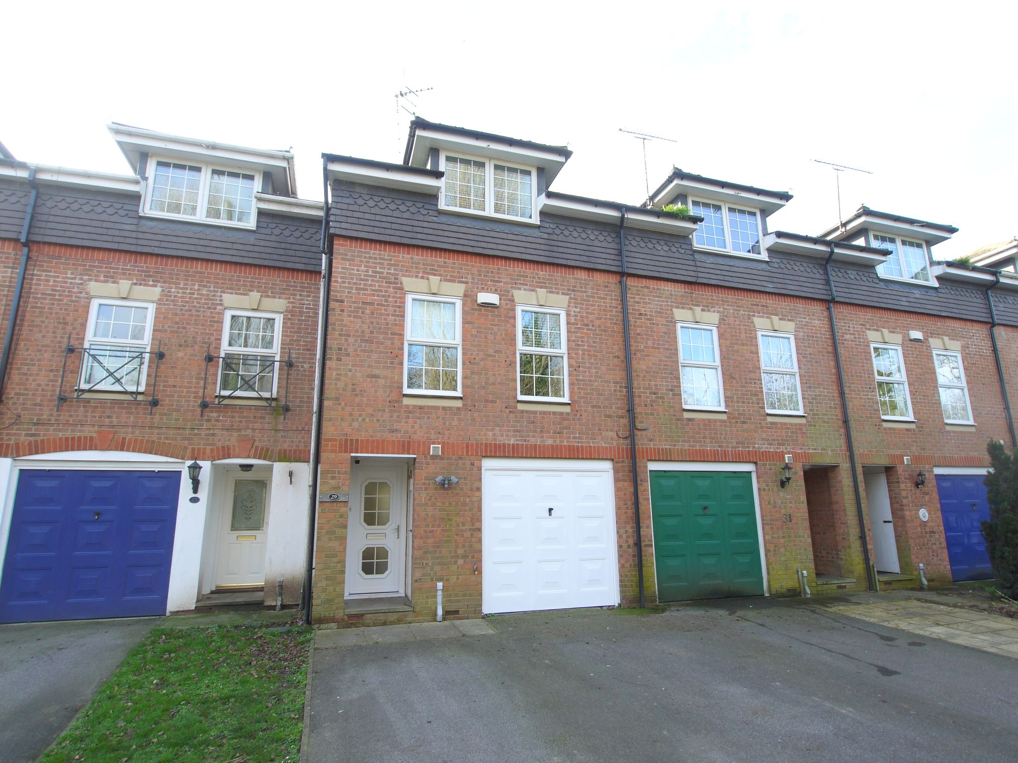 4 bedroom town house Sale Agreed in Sevenoaks - Photograph 1