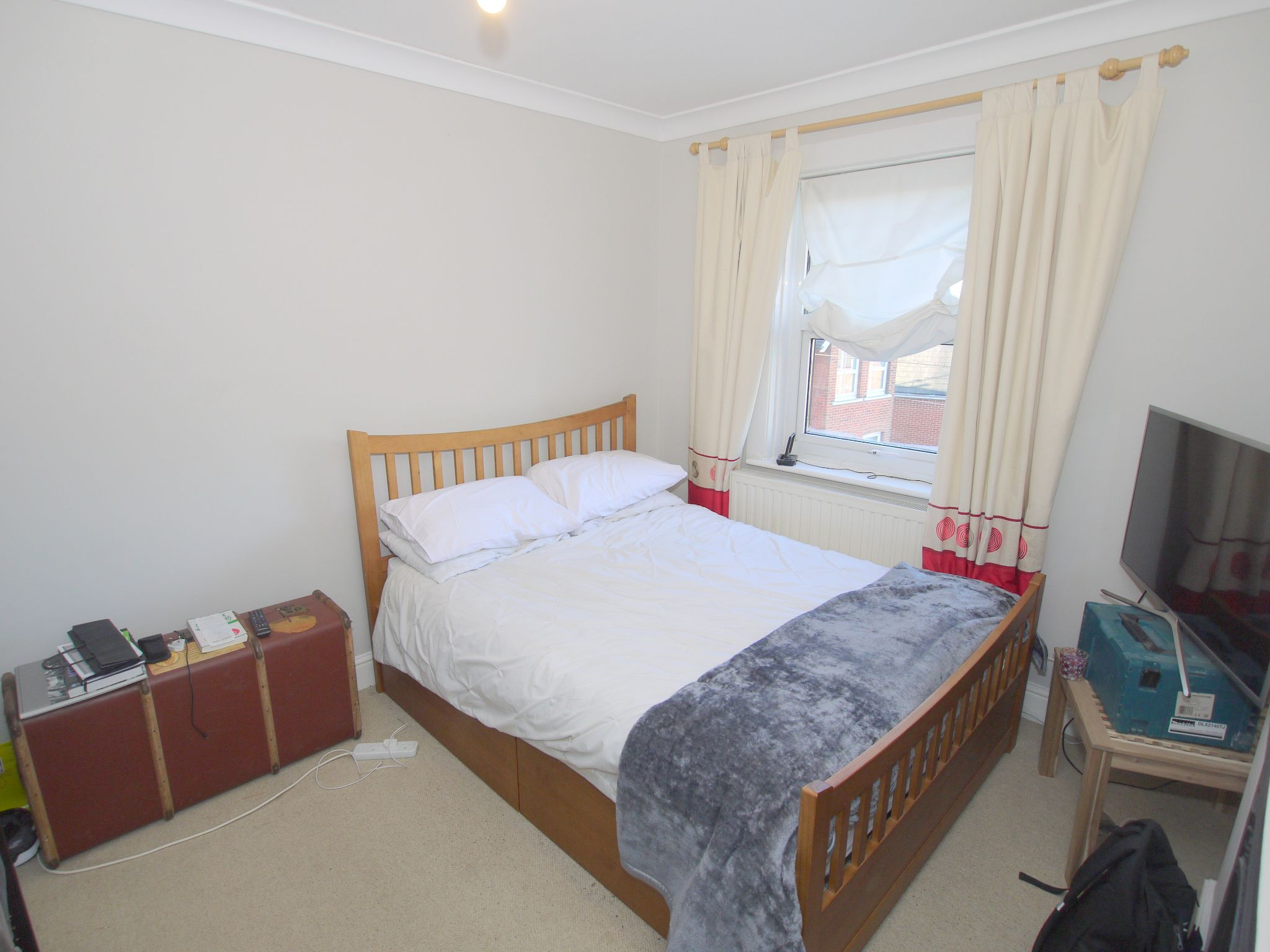 2 bedroom semi-detached house To Let in Sevenoaks - Photograph 6