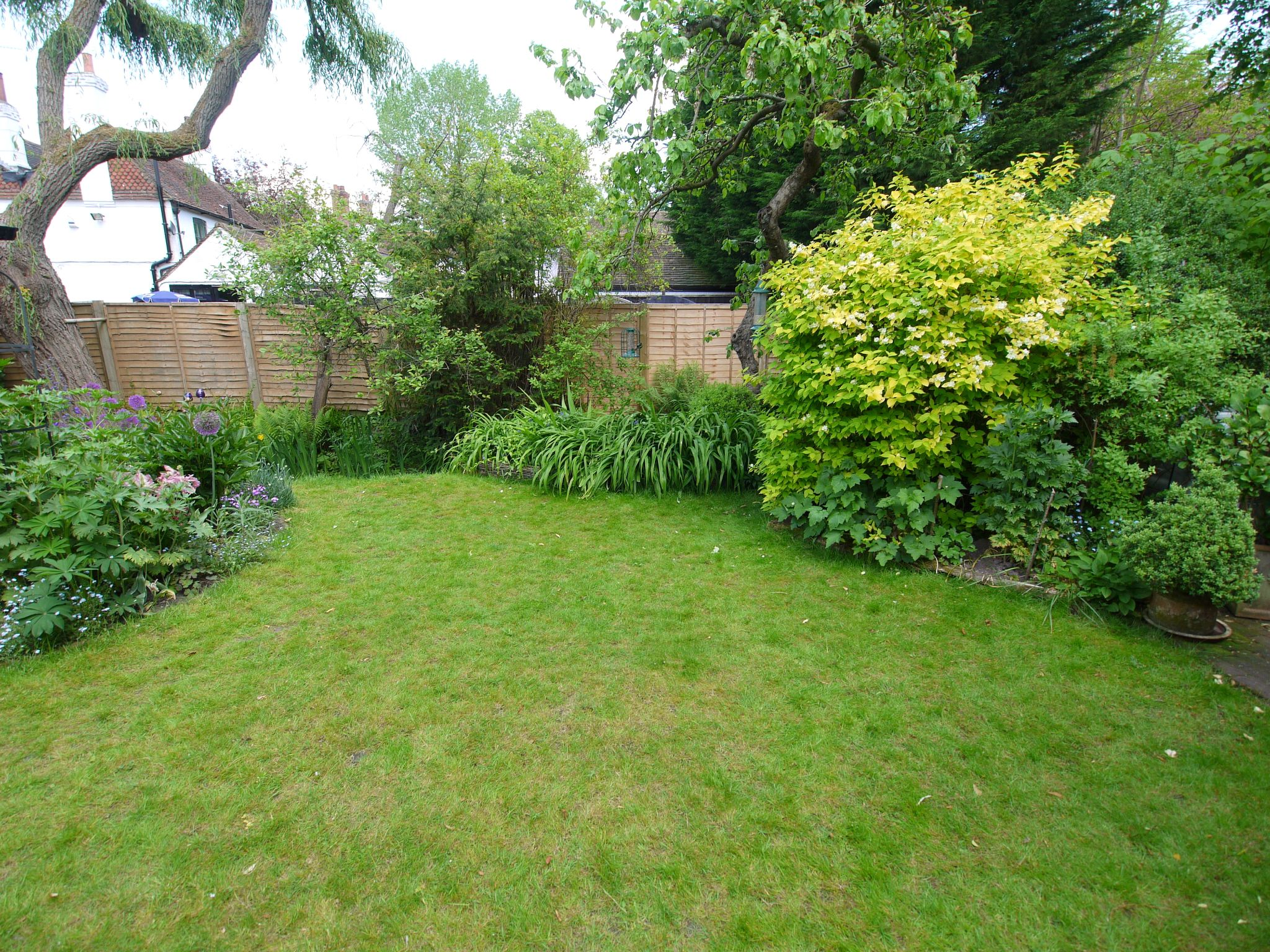 2 bedroom detached house For Sale in Sevenoaks - Photograph 9