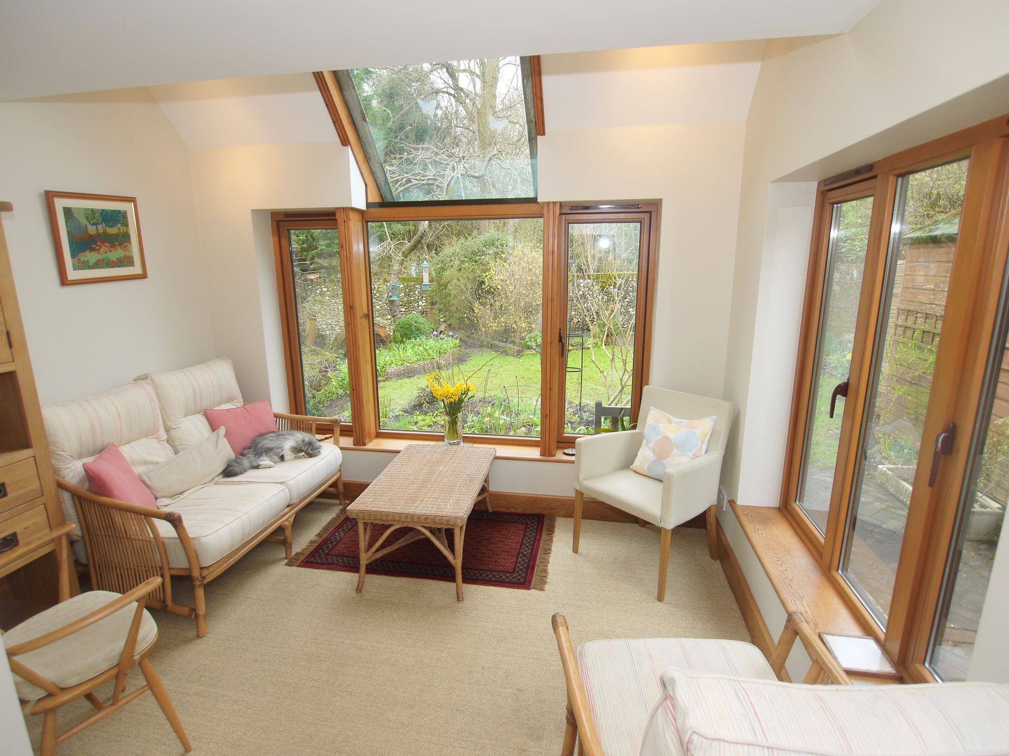 2 bedroom detached house For Sale in Sevenoaks - Photograph 2